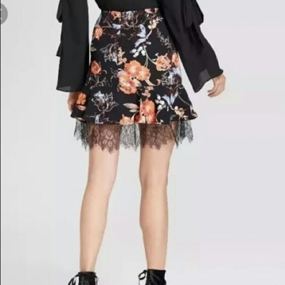 Who What Wear Floral Lace Mini Skirt